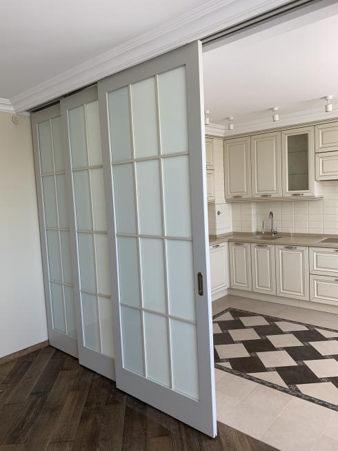 Андреевские двери, Телескопическая раздвижная стекло эмаль 2 цвета