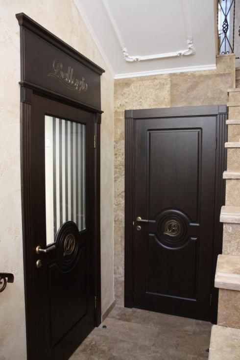 Андреевские двери, Шпон венге