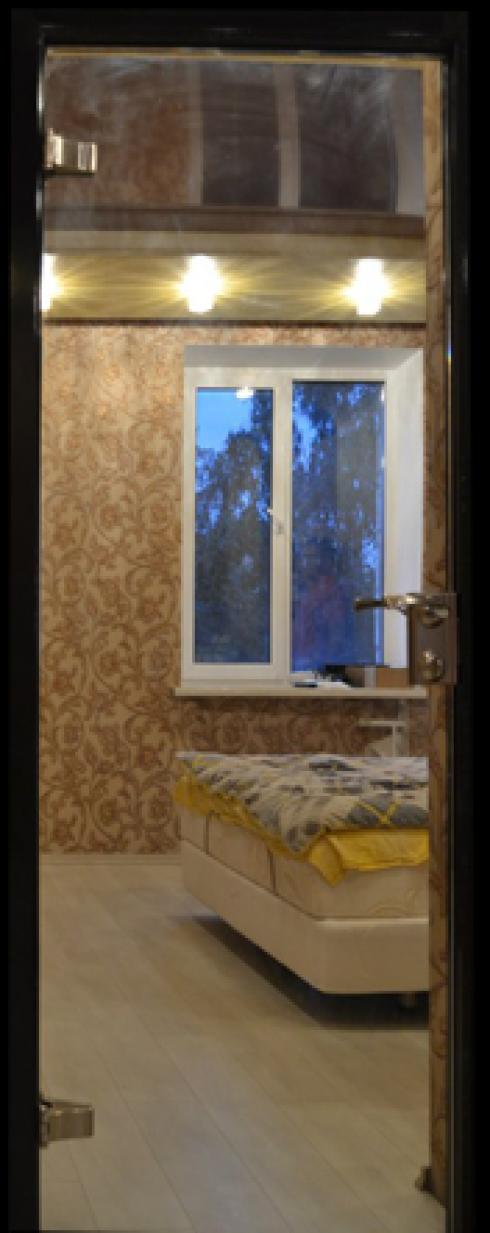 Арк-Самара, Цельностеклянная дверь с зеркалом