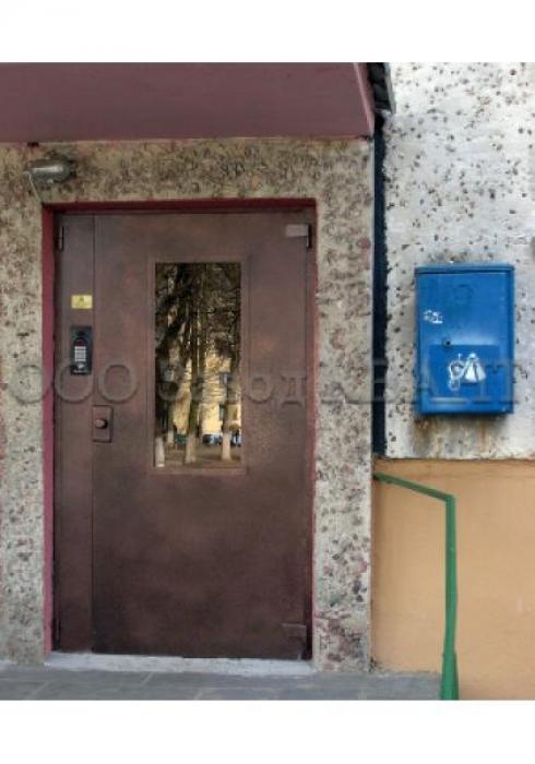 Квант, Подъездная дверь Квант