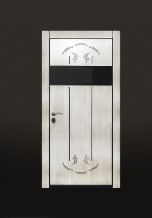 Стальной Портье, Входная дверь с электронной системой