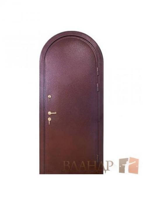 Вландр, Входная металлическая арочная дверь
