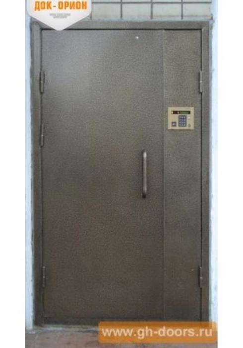 Док-Орион, Входная металлическая дверь